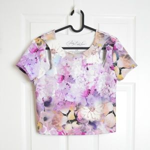 3/$30 🌞 Floral Cut Out Cropped Blouse PLL
